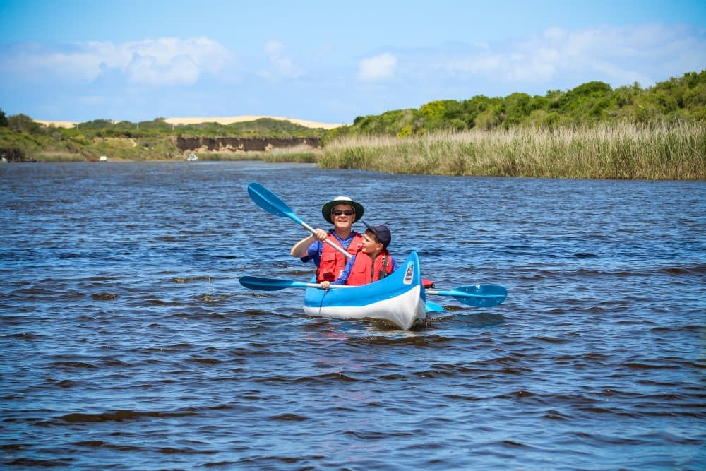 Canoe-Hire-Sundaze-River-Adventures